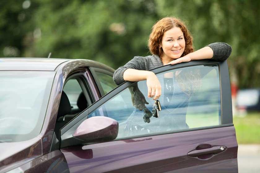 Female driver - copyright: antikainen (123rf.com)