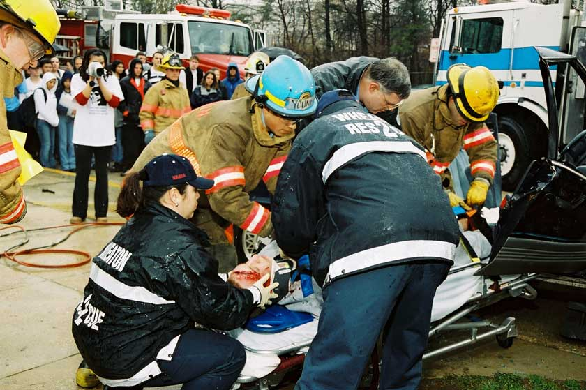 Firefighters and paramedics – Photo source: http://www.nhtsa.gov